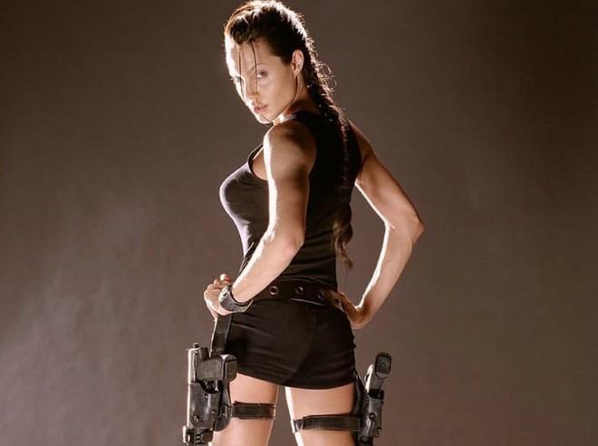 Trước khi xuất hiện với diện mạo gầy gò, Angelina Jolie từng khiến vạn người mê mẩn nhờ vẻ ngoài nóng bỏng tràn đầy sức sống đến thế này - Ảnh 18.