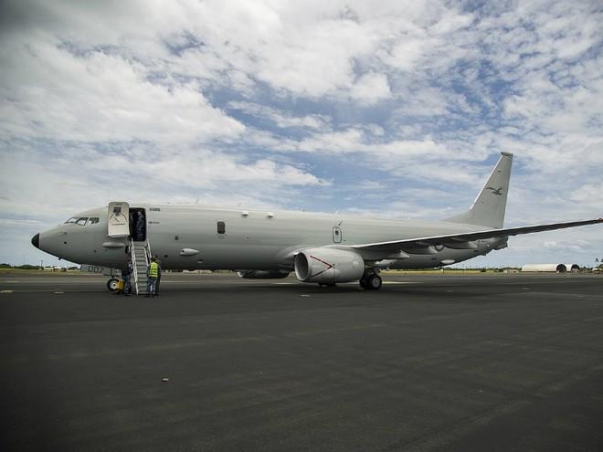 Điểm danh 10 máy bay quân sự đắt giá nhất thế giới - Ảnh 5.
