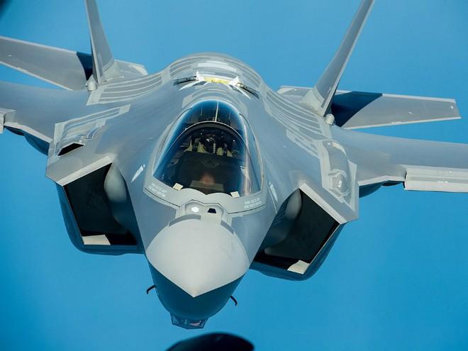 Điểm danh 10 máy bay quân sự đắt giá nhất thế giới - Ảnh 8.