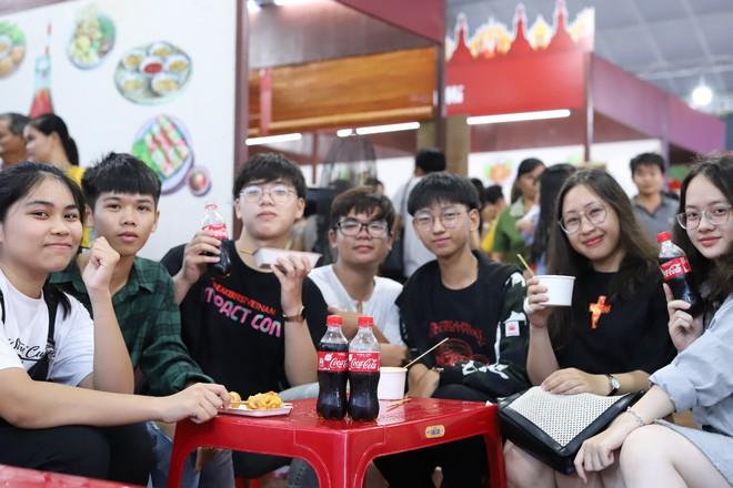 Cộng đồng Việt trẻ hào hứng với trào lưu rủ nhau đi dự lễ hội ẩm thực - Ảnh 8.