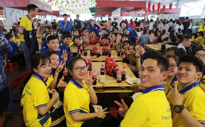 Cộng đồng Việt trẻ hào hứng với trào lưu rủ nhau đi dự lễ hội ẩm thực