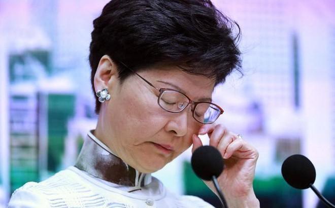 """Reuters: Bắc Kinh đã """"gạt phăng"""" đề xuất nhượng bộ người biểu tình của trưởng đặc khu Hong Kong"""