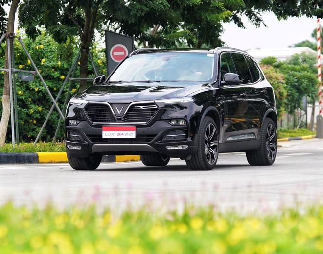 VinFast bất ngờ công bố mức giá đặc biệt cho 3 dòng xe ô tô từ tháng 9  - Ảnh 1.