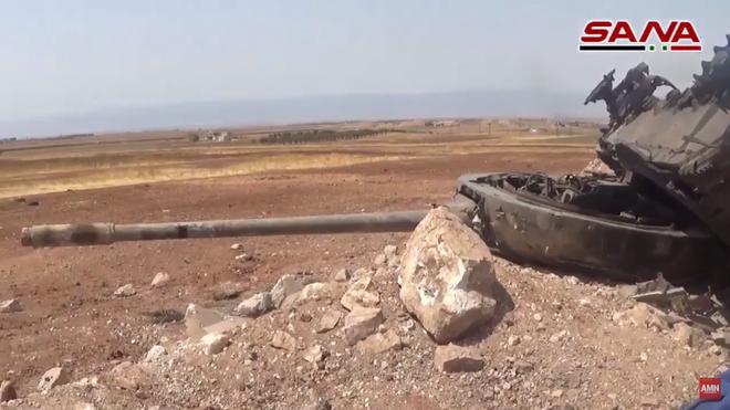 Quân đội Syria chỉ điểm, Không quân Nga tung đòn diệt gọn đoàn xe tăng phiến quân - Ảnh 1.