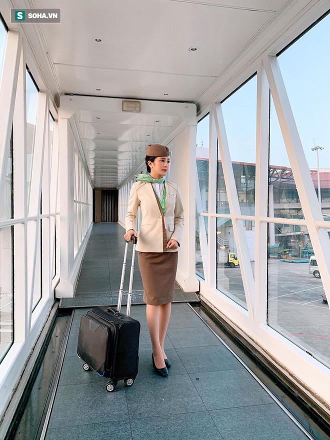 Tiếp viên hàng không bị quay lén trên máy bay gây xôn xao, tiết lộ thành tích khủng thời đại học - ảnh 3