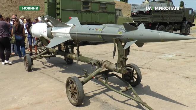 Quân đội Ukraine tịch thu Hệ thống phòng không S-125 do Nga buôn lậu: Sự thật thế nào? - Ảnh 1.