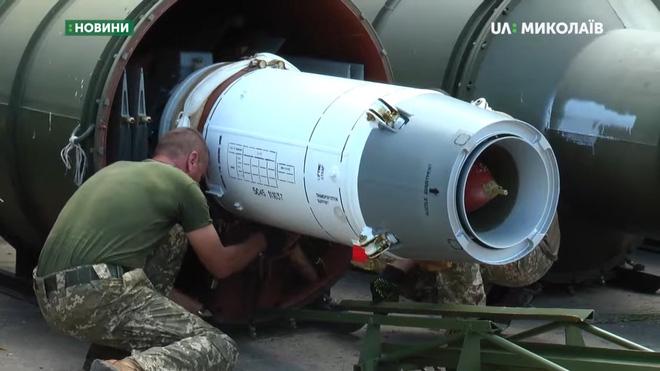 Quân đội Ukraine tịch thu Hệ thống phòng không S-125 do Nga buôn lậu: Sự thật thế nào? - Ảnh 4.