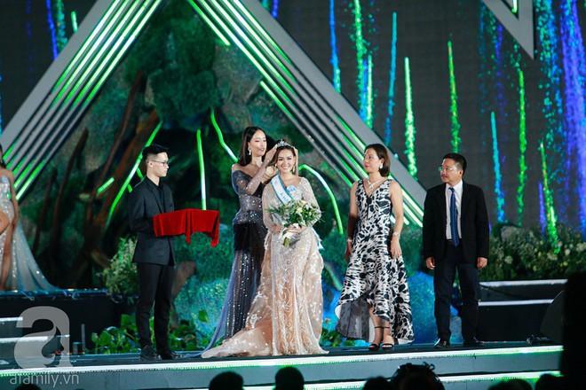 Cận cảnh ảnh đời thường của Á hậu 2 Miss World Việt Nam 2019: Chiều cao khủng cùng nhan sắc đỉnh cao, được gọi là bản sao Hà Tăng - Ảnh 1.