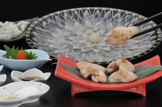 7,5 triệu đồng/100g thịt, ai mà ngờ loại cá vừa xấu xí vừa cực độc này lại đáng giá ở Nhật Bản đến thế - Ảnh 9.