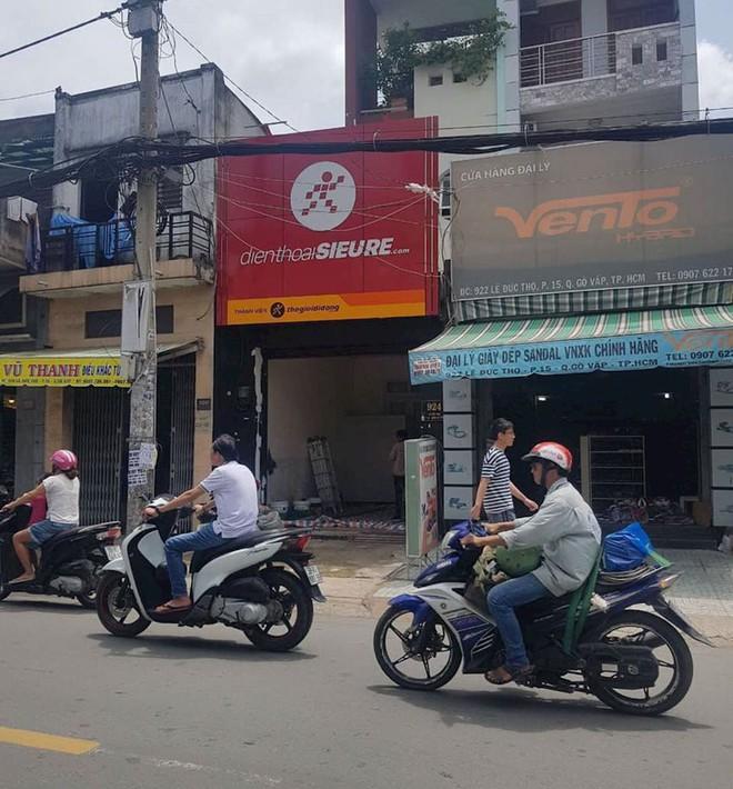 Thế Giới Di Động mở cửa hàng Điện thoại Siêu rẻ, cạnh tranh cửa hàng nhỏ lẻ - Ảnh 1.