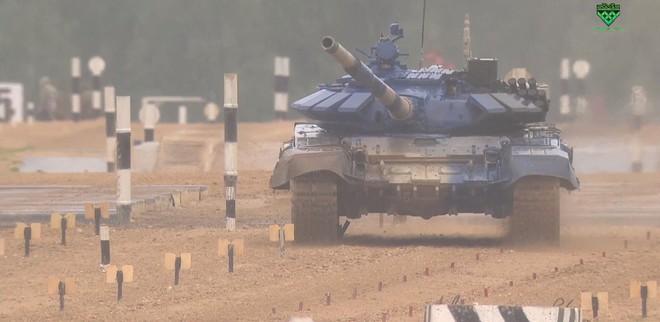 Kíp 1 xe tăng Việt Nam thi đấu tốt tại Tank Biathlon 2019, vượt xa thành tích năm ngoái - Ảnh 4.