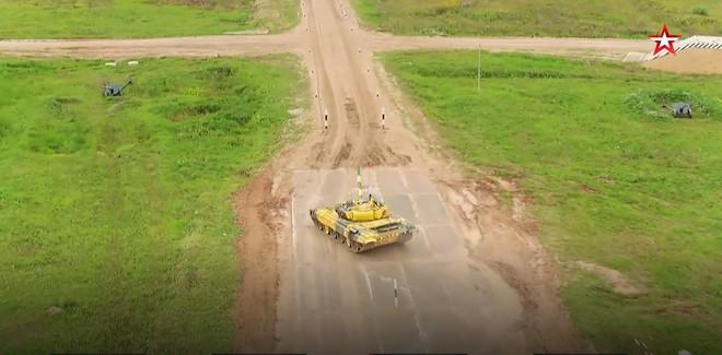 Kíp 1 xe tăng Việt Nam thi đấu tốt tại Tank Biathlon 2019, vượt xa thành tích năm ngoái - Ảnh 16.