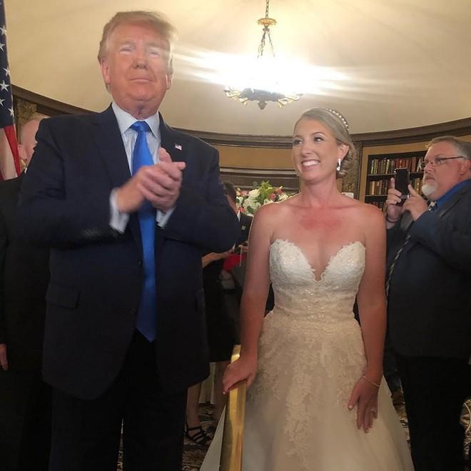 Xả súng liên hoàn ở Mỹ: Ông Trump vẫn đi chơi gôn - Ảnh 1.