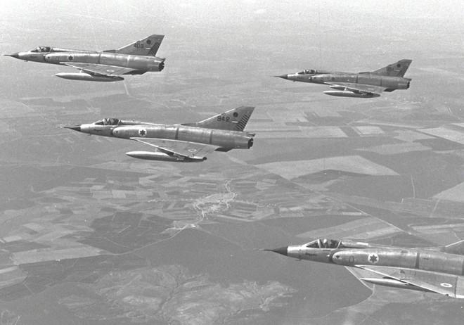 Chiến dịch Moked: 180 chiến đấu cơ Israel đồng loạt cất cánh tấn công Ai Cập - Ảnh 4.