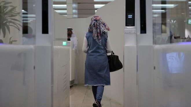 Dubai muốn dùng AI để xây dựng sân bay tối tân nhất thế giới: Không nhân viên an ninh, không nhân viên hải quan, vận chuyển đồ bằng xe tự lái… - Ảnh 3.
