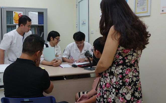 """Chuyên gia nam học: """"Con giống"""" của đàn ông Việt đang ngày càng yếu, đây là nguyên nhân"""