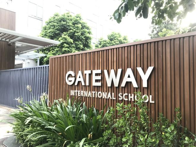 Phụ huynh trường Gateway nói mất tiền cũng cho con nghỉ học sau việc bé trai tử vong - Ảnh 1.