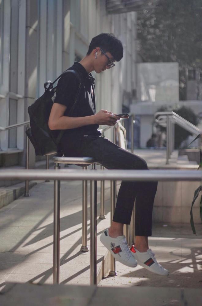 """Đăng ảnh kể khổ khi bán giày online, chàng trai 1m83 được các cô gái hỏi thăm: """"Mặt hàng này còn không?"""" - Ảnh 6."""