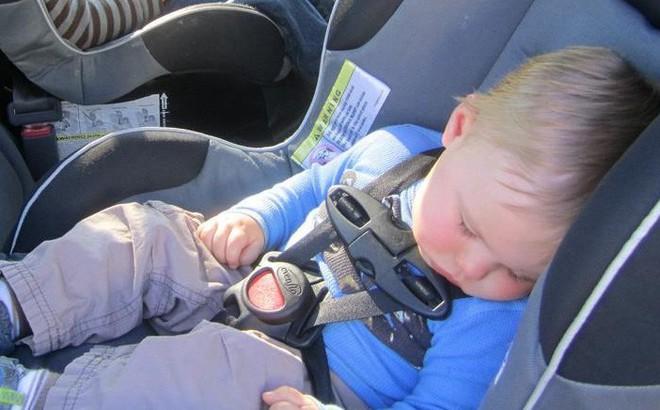 Vụ cháu bé tử vong do bị bỏ quên trong xe ô tô: Bác sĩ phán đoán nguyên nhân do sốc nhiệt