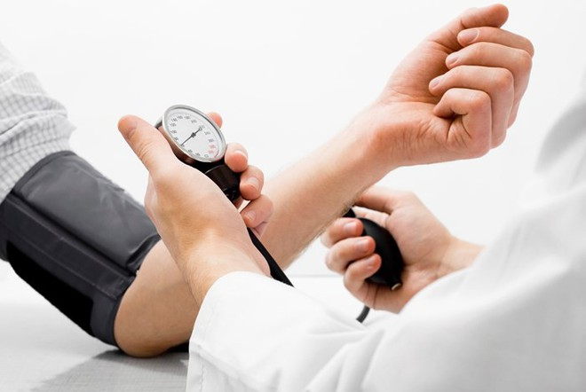 BS cảnh báo 4 dấu hiệu của chứng tắc mạch máu: Cần chú ý đề phòng tử vong bất ngờ - Ảnh 3.