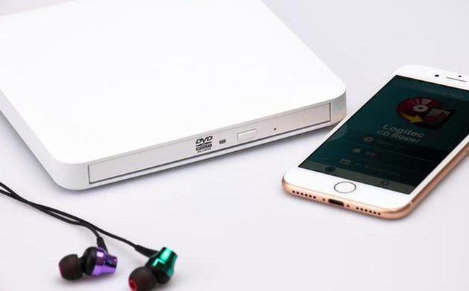 Không ai hoài cổ bằng người Nhật: Ra mắt ổ đĩa quang không dây có thể kết nối smartphone