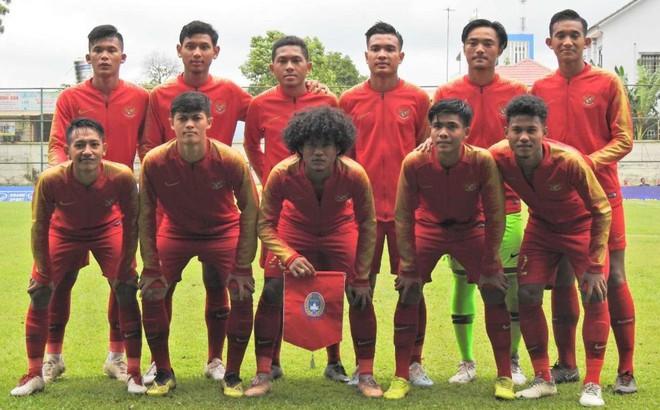"""LĐBĐ Indonesia khiếu nại lên AFF vụ """"sân chăn bò"""" của Việt Nam tại giải U18 Đông Nam Á"""