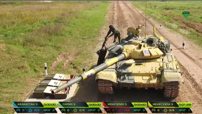 Trận đấu sinh tử của Đội xe tăng Việt Nam tại Tank Biathlon 2019 bắt đầu - Ảnh 59.