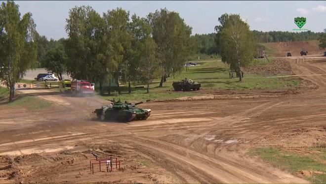 Trận đấu sinh tử của Đội xe tăng Việt Nam tại Tank Biathlon 2019 bắt đầu - Ảnh 54.
