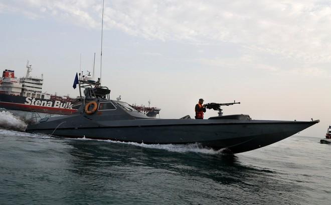 """Nga đã giúp Iran """"giăng bẫy"""" tàu nước ngoài ở Vịnh Ba Tư?"""
