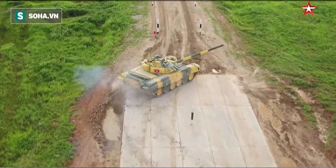 Trận đấu sinh tử của Đội xe tăng Việt Nam tại Tank Biathlon 2019 bắt đầu - Ảnh 30.
