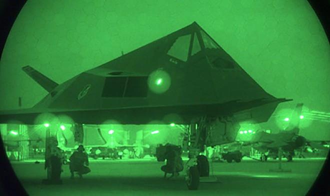 Vụ Đại tá Nam Tư bắn tan xác máy bay F-117A: Phi công Mỹ thốt lên thán phục bắn tốt lắm! - Ảnh 1.
