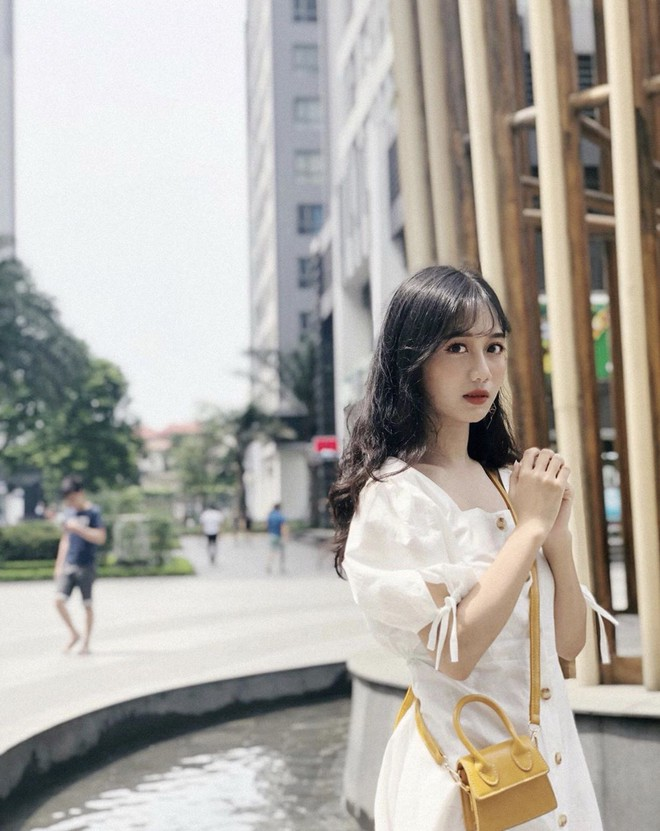 Lộ bức ảnh thẻ mặc đồng phục, nữ sinh Lào Cai khiến dân mạng lập tức truy tìm - Ảnh 6.