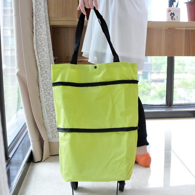 Hà Nội: Bà chị hào phóng, mua hẳn 150 chiếc túi bảo vệ môi trường để tặng các khách hàng khác cùng đi siêu thị - Ảnh 3.