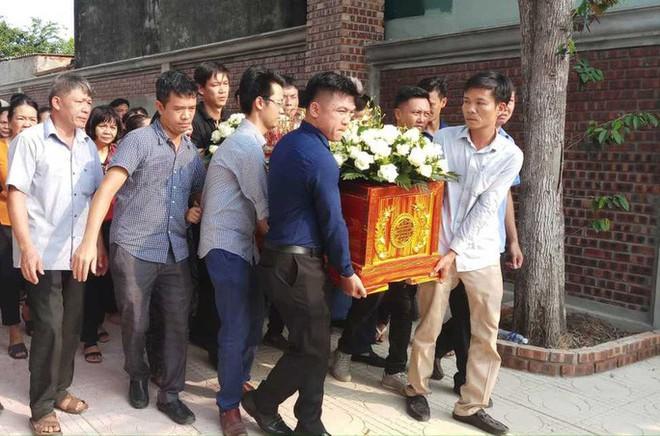 Xé lòng nơi quê nhà học sinh tử vong vì bị bỏ quên trên xe đưa đón trường Gateway - Ảnh 5.