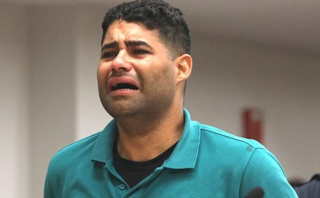 """Ông bố bỏ quên con sinh đôi trong xe 8 tiếng, đứng trước tòa gào thét """"tôi đã giết con mình"""" nhưng không chịu nhận tội, thái độ của người mẹ càng gây ngạc nhiên"""