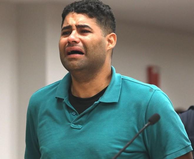 Ông bố bỏ quên con sinh đôi trong xe 8 tiếng, đứng trước tòa gào thét tôi đã giết con mình nhưng không chịu nhận tội, thái độ của người mẹ càng gây ngạc nhiên - Ảnh 4.
