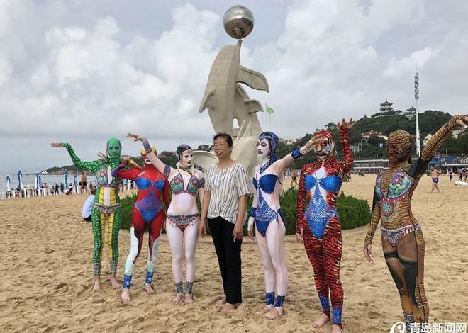 Đỉnh cao thời trang tắm biển là đây: Trung Quốc ra mắt bộ sưu tập mới với 6 mẫu hoành tráng, thử thách sự dũng cảm của người mặc - Ảnh 5.