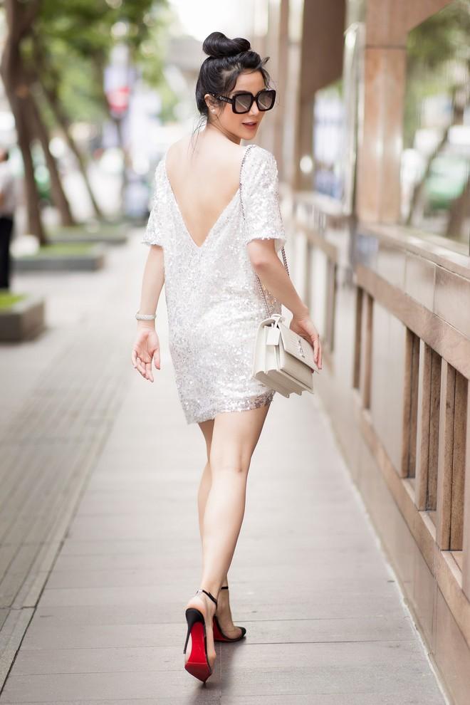 Diệp Lâm Anh khoe lưng trần quyến rũ khi mang bầu tháng thứ 5 - Ảnh 7.