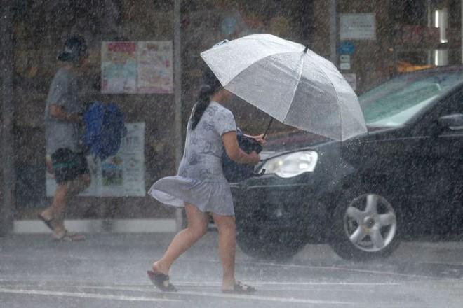 Sức mạnh dữ dội của song bão lao thẳng vào Đông Á: Trung Quốc ban bố 'báo động đỏ' - ảnh 5