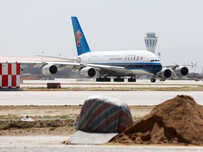 Có gì trong sân bay lớn nhất thế giới trị giá 12 tỷ USD? - Ảnh 11.