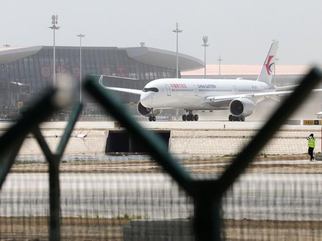 Có gì trong sân bay lớn nhất thế giới trị giá 12 tỷ USD? - Ảnh 13.