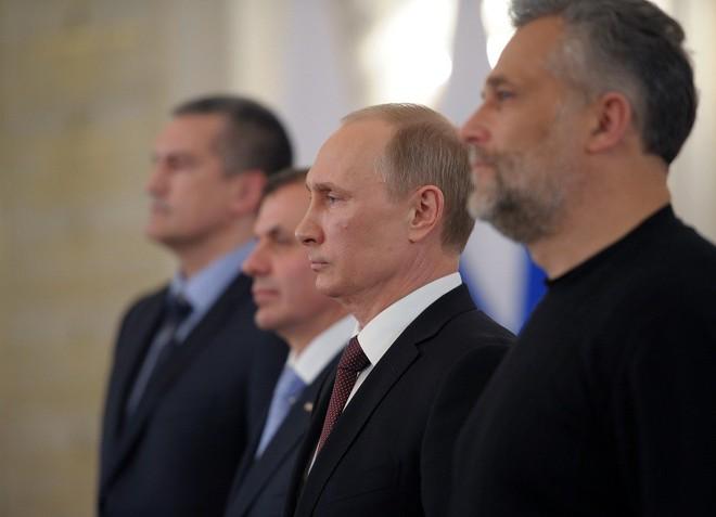 Ông Putin thay đổi thế nào trong 20 năm cầm quyền? - ảnh 17