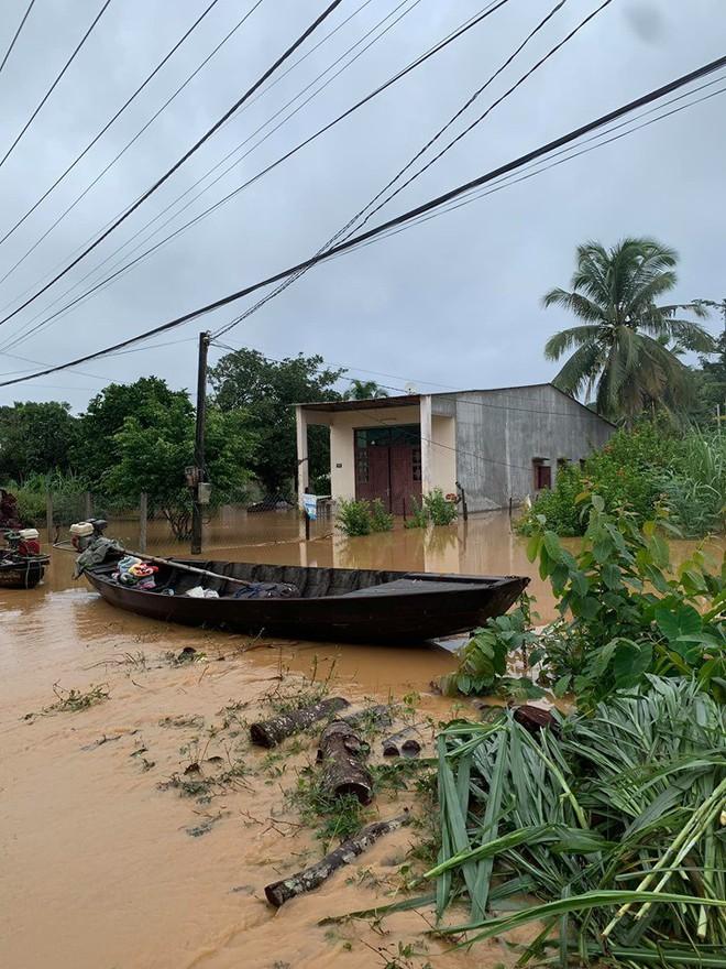 Đồng Nai: Lũ quét khiến hàng trăm ngôi nhà bị ngập, một người mất tích - Ảnh 4.