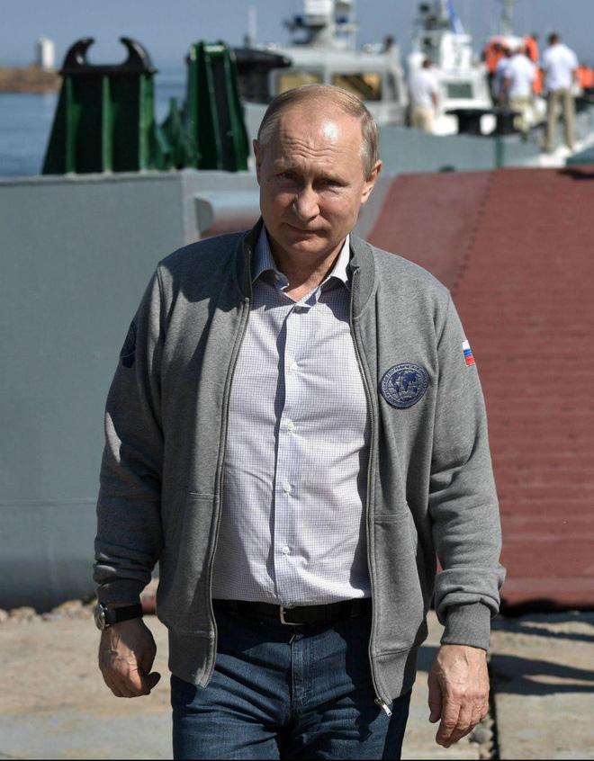 Ông Putin thay đổi thế nào trong 20 năm cầm quyền? - ảnh 21