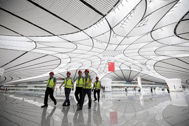 Có gì trong sân bay lớn nhất thế giới trị giá 12 tỷ USD? - Ảnh 4.