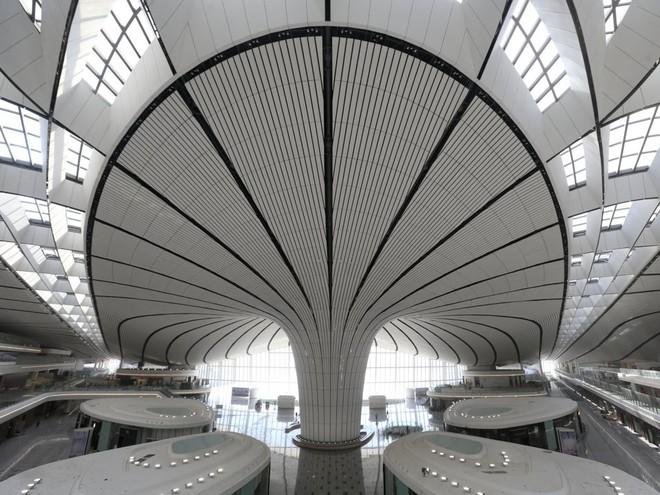 Có gì trong sân bay lớn nhất thế giới trị giá 12 tỷ USD? - Ảnh 7.