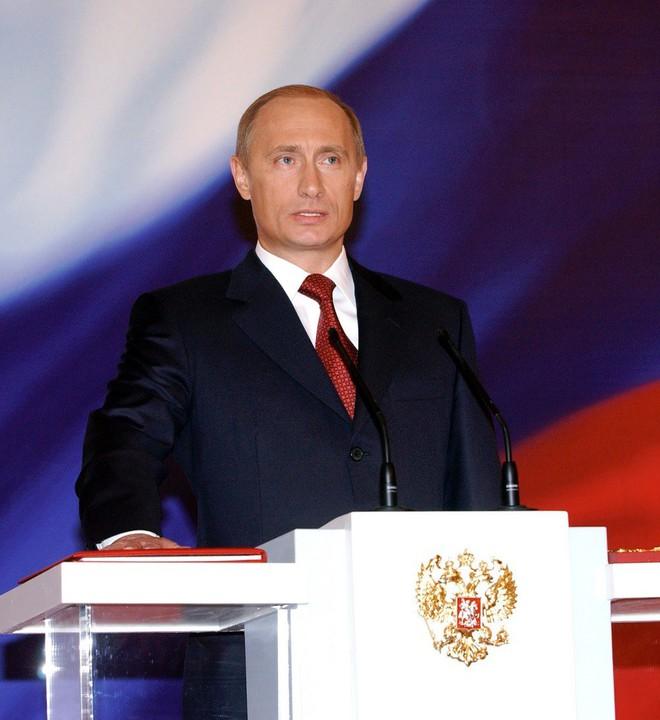 Ông Putin thay đổi thế nào trong 20 năm cầm quyền? - ảnh 9