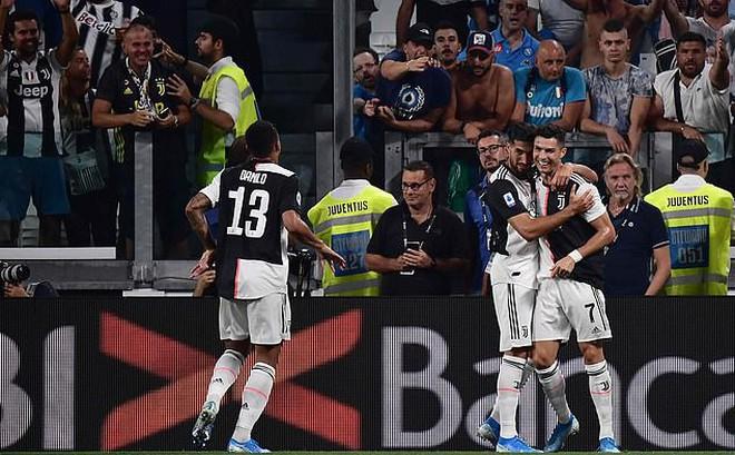 Song sát Ronaldo - Higuain tỏa sáng, Lão bà vẫn run rẩy trước Napoli