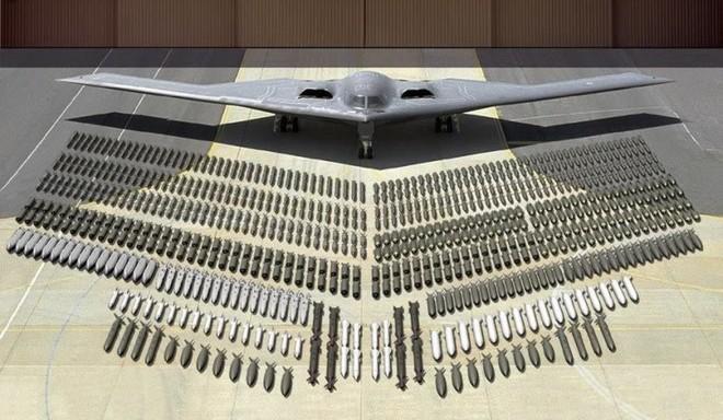 B-2 Spirit Mỹ và F-35 Anh lần đầu song kiếm hợp bích: Thông điệp ngăn chặn kẻ gây hấn - Ảnh 1.