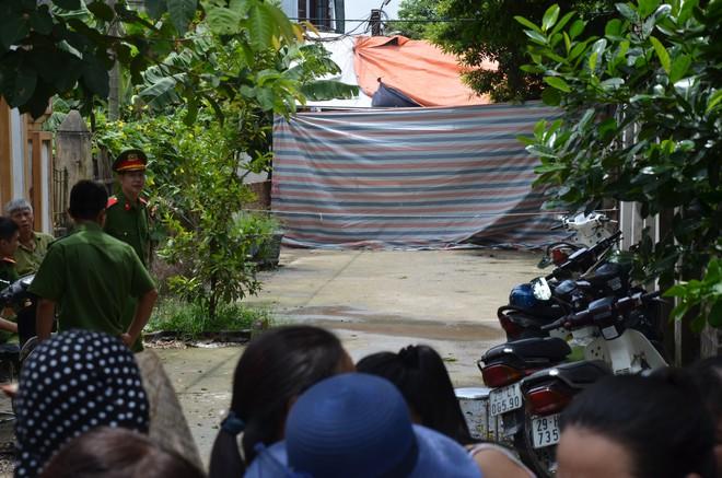 Hiện trường vụ anh truy sát gia đình em ruột khiến 5 người thương vong ở Hà Nội - Ảnh 2.
